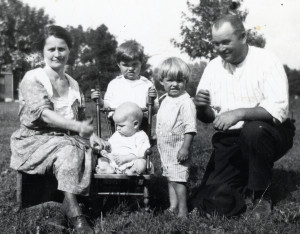 The Doerr Family before LeRoy was born. From Left: Anna, Maurice, Luke, Ted and baby Bill. Wesley, Iowa.